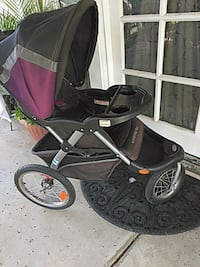 Jeep stroller good condition, has a speaker Riverside, 92506