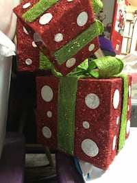 3 DIFFERENT SIZE BEAUTIFUL HOLIDAY GIFT BOX DECOR - pier 1 Las Vegas, 89147