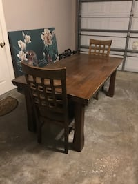 Table or Desk & 2 chairs. Sturdy solid wood Baton Rouge, 70817