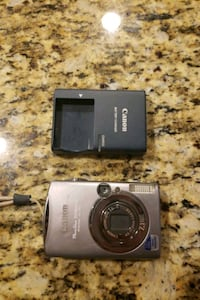 Barely Used Canon SD800 IS Point and Shoot Camera Vancouver, V6A 0A1
