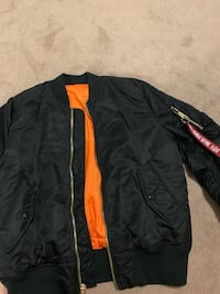 Alpha industries slim fit black bomber  540 km
