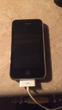 iPhone 4 with charger Nichols, 29581