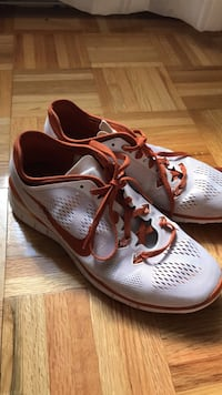 Pair of nike running shoes Londonderry, 03053