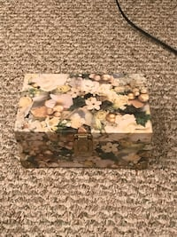white, green, and brown floral print jewelry box