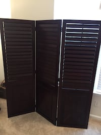 Pier 1 Cherry Wood 3 Panel Room Divider Screen $150/BO 2 mi
