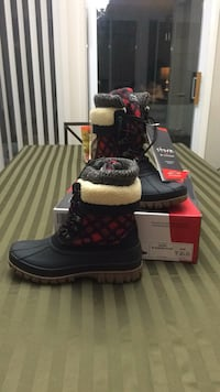 Women's size 8 storm by cougar plaid & shearling new in the box Hanover, 21077