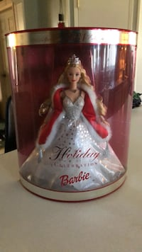 2001 Special Edition Holiday Celebration Barbie Riverview, 33569