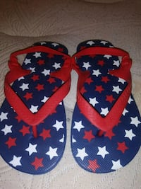 pair of red-and-blue flip flops Highland, 92346