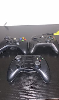 Game console controllers and media remote bundle North Charleston, 29420