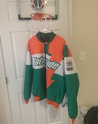 Brand new Gatorade jacket sz L Hyattsville, 20785