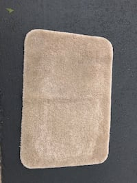Bath rug 2' x 3' in good condition San Marcos, 92078
