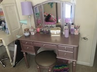 Rose gold vanity table Ashburn