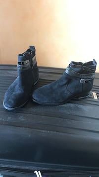 Bottines en daim noir