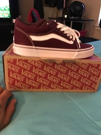 Vans size 8.5 $60 Excellent Condition 10/10 negotiable open to offers Raleigh, 27615