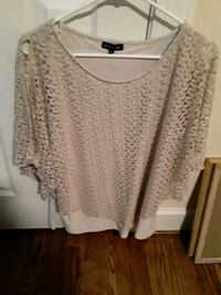 Cream color Blouse - Size XL Arlington, 22203