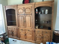 Beautiful Oak wall unit Hainesville, 60030