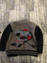 Kids hand knitted sweater size 8-10 Richmond, V7E 5R1