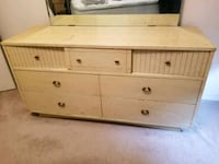 1952 Dresser with beveled mirror and nightstand Albuquerque, 87121