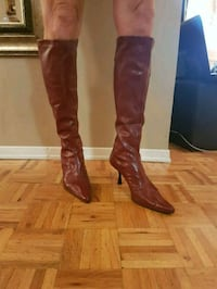 pair of brown leather knee-high boots Mississauga, L5R 3E6