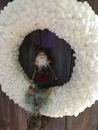 white crochet wreath Hagerstown, 21740