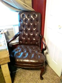 Antique Cigar chair Woodbridge, 22192