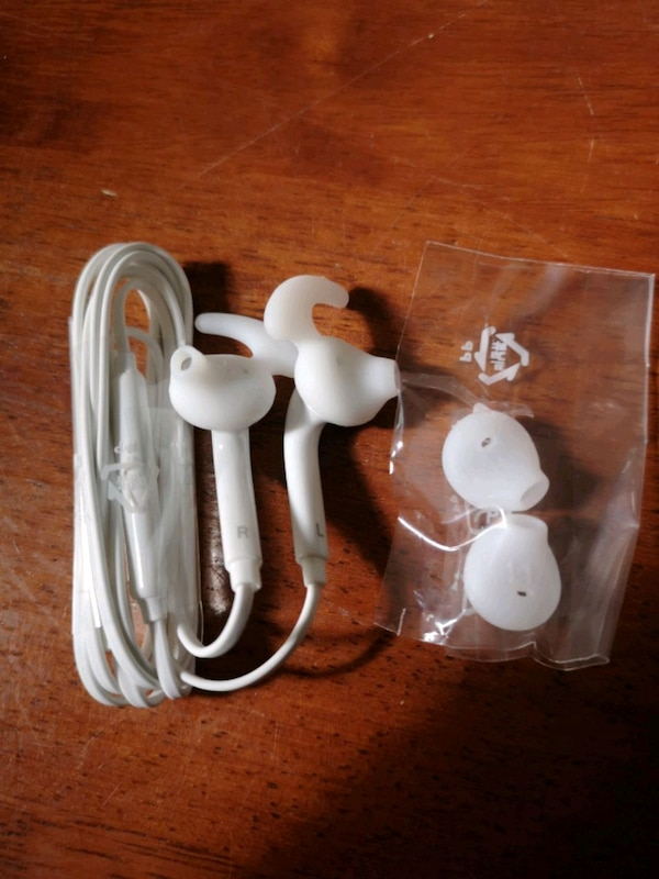 Samsung Earphone 3.5mm sam Wired Headset  3105cd2b-c985-4e2c-991b-5a5b521b6c0f