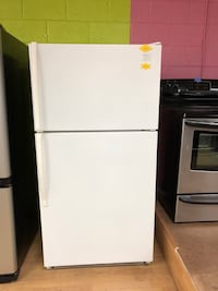 Whirlpool white top freezer refrigerator  Woodbridge, 22191