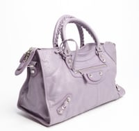 Balenciaga purse in lavender , used but good condition 隆格伊, J4K