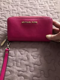 Mk authentic wristlet  Mississauga, L5N 2R8