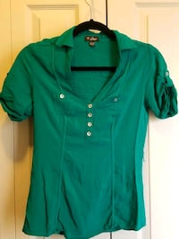 Guess Green Shirt size X Small Calgary, T2J 0L8