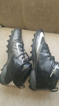 pair of black NIKE SHARK cleats Colton, 92324