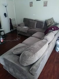 Like new gray couch