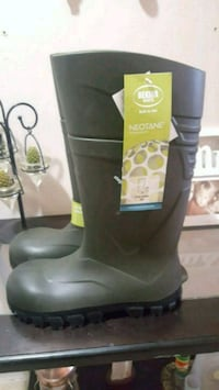 New bekina rubber safety boot