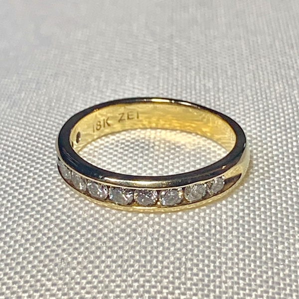 Genuine 18k Gold Diamond Wedding Band Ring 853549cd-47fb-4a97-8276-cc2fc46ae361