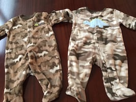 2 outfits- 0-3 months Baby boy fleece sleepers with feet