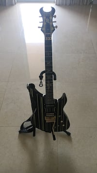Schecter diamond series synyster gates custom-s