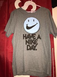 gray and black Nike crew neck t-shirt Centre Wellington, N1M 3M4