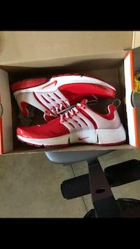 Men Nike Presto size 10 fit 10.5. With box Highland, 92346