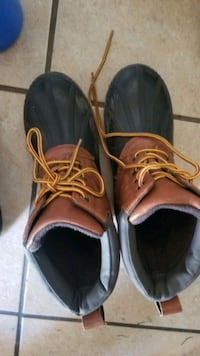 Youth size 2.5 lace up, like new