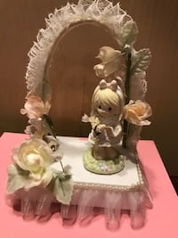 Pretty Precious Moments Musical Decor or Cake Topper Gainesville, 20155