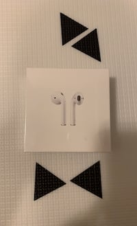 1st Gen Apple AirPods with Charging Case (BNIB) Toronto, M6E 2S2