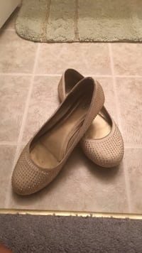 pair of gray leather flat shoes Waverly Hall, 31831