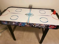 Hockey table (not working) Brampton, L6R