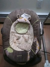 baby's gray and pink bouncer Epping, 03042