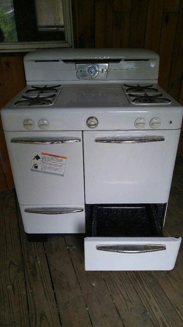 Used 1950 S Universal Antique Gas Stove