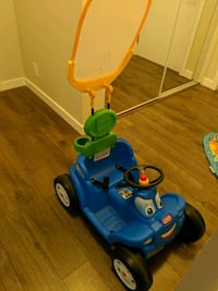 Childrens push/pull car - HANDLE MISSING Surrey, V3T 0A8