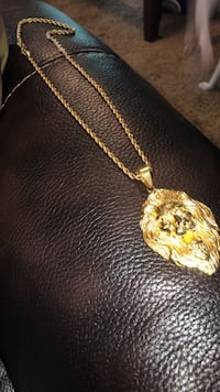 14 k Gold Lion chain Urbandale, 50322