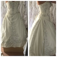 Ivory ballgown wedding dress Midland, L4R 3M5