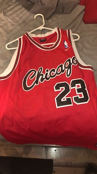 Red whit Mj 23 jersey Chicago Bulls