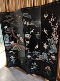 folding privacy screen with design